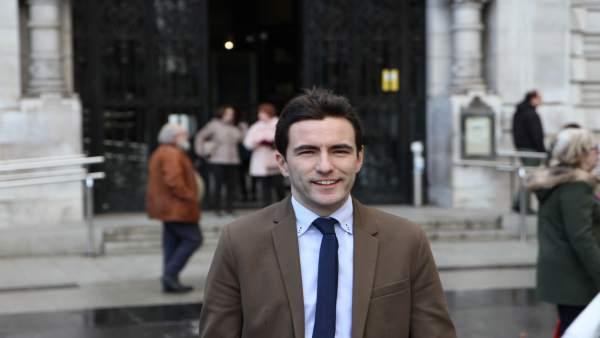 Pedro Casares, concejal y líder del PSOE de Santander