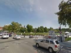 Un vehículo se estrella contra una barrera de la Casa Blanca