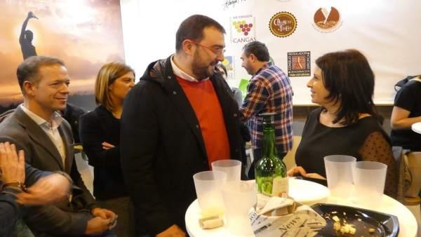 Adrián Barbón y Adriana Lastra en Fitur