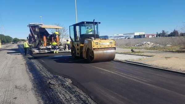 Pavimentación en vías de La Negrilla para mejorar su actividad económica