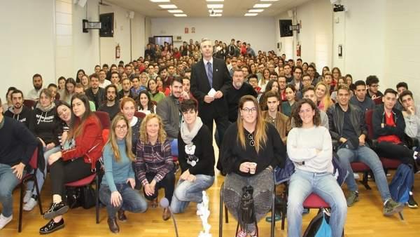 Trescientos estudiantes de la UCAM se van de Eramus a cien destinos