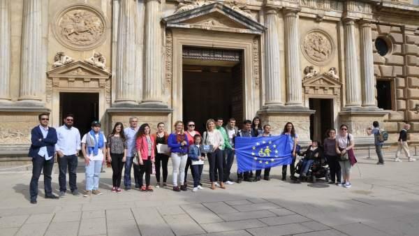 Algunos participantes de visitas guiadas accesibles