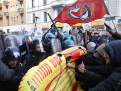 Las movilizaciones antifascistas protagonizan el fin de campaña en Italia