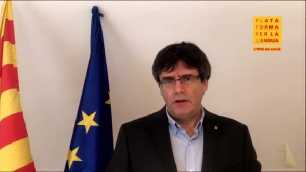 Carles Puigdemont en un vídeo emitido en los V Premis Martí Gasull