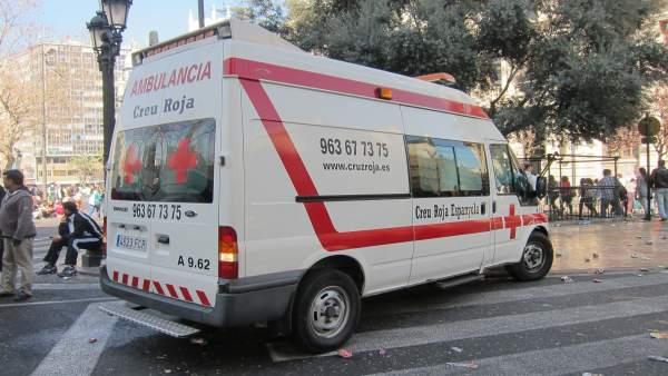Ambulancia De Cruz Roja Tras La 'Mascletà'