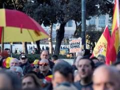 Medio millar de personasse concentran en defensa de Tabarnia y en apoyo al rey