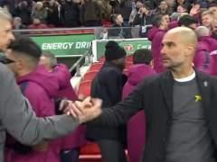 Guardiola desafía a la federación inglesa y luce el lazo amarillo