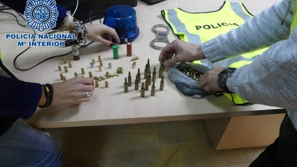 Np: Detenido En Algeciras Por Amenazar De Muerte A Su Madre Con Una Pistola