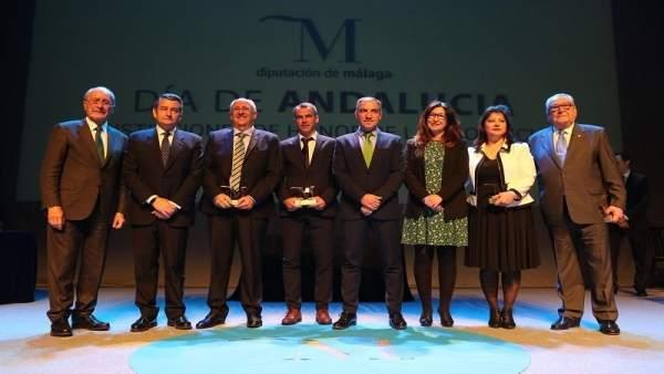 Premiados por la Diputación con la M de Málaga 2018 junto a autoridades