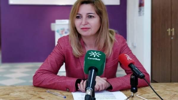 La parlamentaria de Podemos Carmen Lizárraga
