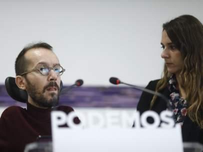 Pablo Echenique, secretario de Organización de Podemos, y Noelia Vera, portavoz del Consejo de Coordinación, en una imagen de archivo.