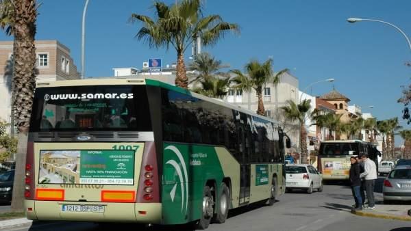 Autobús de la línea M-134 que une Sevilla y Los Palacios