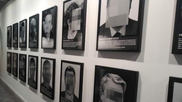 Santiago Sierra siembra la polémica en ARCO con su obra Presos políticos