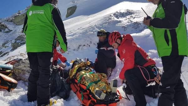 Rescate esquiadora en Brañavieja