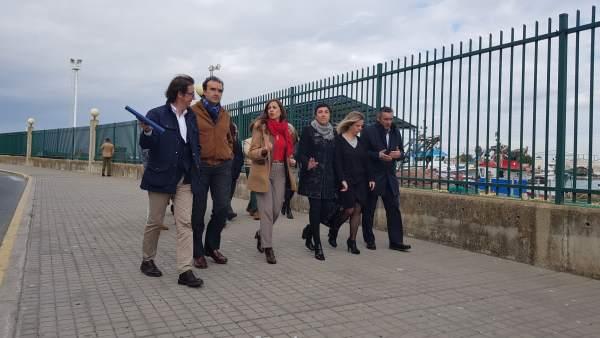 Visitan las obras del puerto pesquero de Isla Cristina (Huelva)