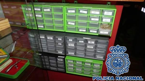 Policía Nacional Nota De Prensa Con Enlace A Vídeo (La Policía Nacional Se Incau