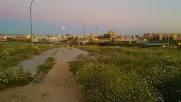 Suelos pendientes de urbanizar para conectar Tomares con el metro