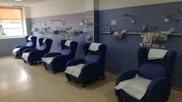 Los Pacientes De Las Urgencias Del Hospital Clínico Estrenan Nuevos Sillones Erg