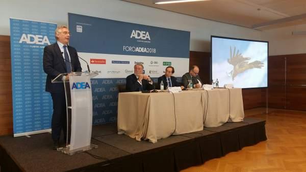 Olona interviene en el Foro ADEA 2018