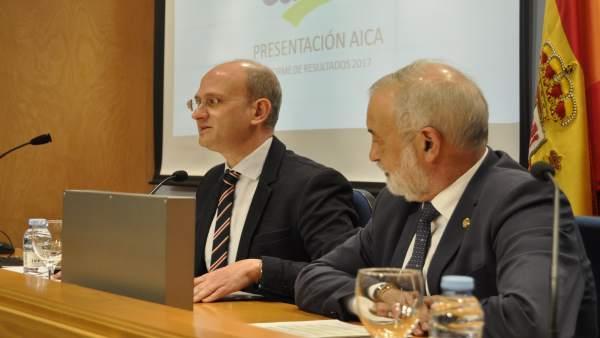 José Miguel Herrero (AICA) y Ángel Val, subdelegado del Gobierno en Zaragoza.