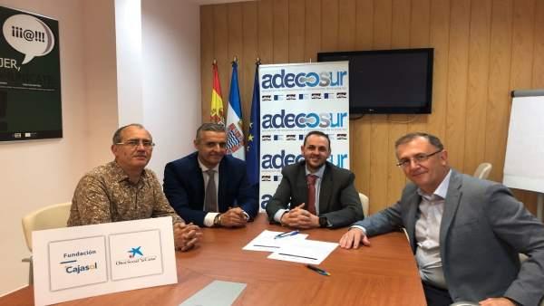Firma convenio comerciantes Jerez con La Caixa y Cajasol
