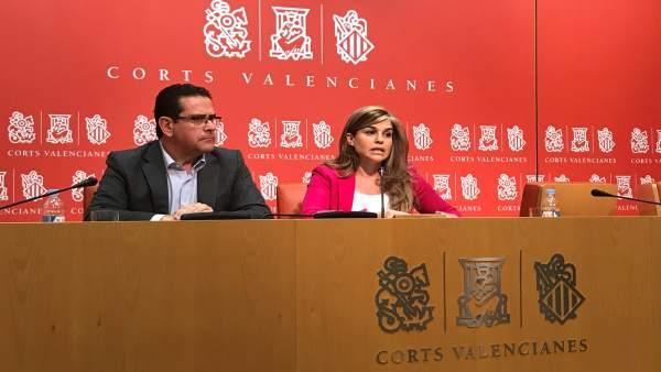 Eva Ortiz junto a Jorge Bellver en las Corts