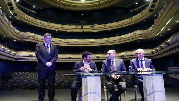 Firma del acuerdo sobre el Teatro Principal de Alicante