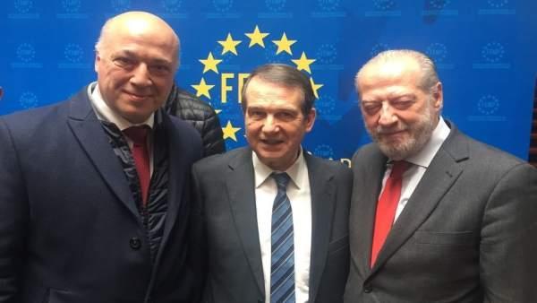 El presidente de la Diputación de Córdoba, con los presidentes de FEMP y FAMP