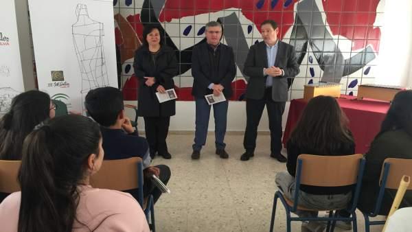 1 Nota Y 4 Fotos Junta (Plantación Ies José Caballero)