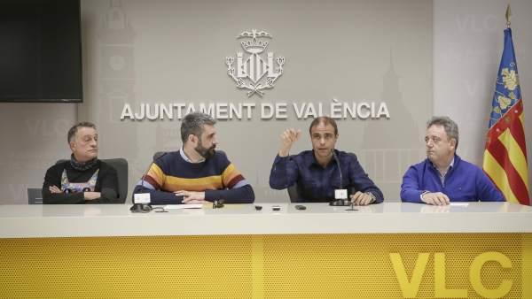 L'Alba de les Falles convertirà València en un gran castell de focs artificials