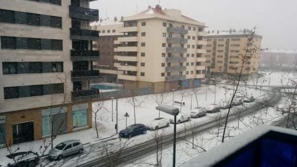 Imagen de la nevada de esta mañana en Logroño