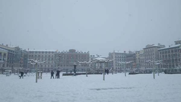 Plaza del Castillo de Pamplona, nevada.