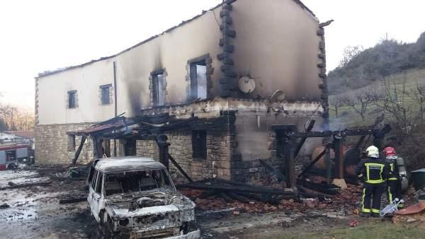 La vivienda destruida.