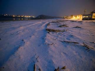 La nieve cubre la Concha en San Sebastián