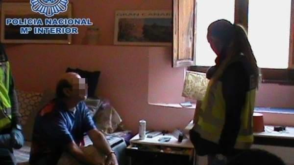 Registro del domicilio del detenido por agresión sexual en Telde