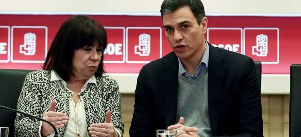 La presidenta del PSOE y su secretario general, Cristina Narbona y Pedro Sánchez, este lunes en Ferraz.