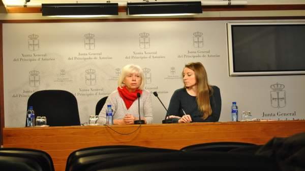 Las diputadas de IU y Podemos Concha Masa y Lucía Montejo
