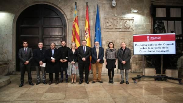 """PSPV i Compromís valoren la """"gosadia"""" del Consell amb la proposta de reforma constitucional i Podem veu """"precipitació"""""""