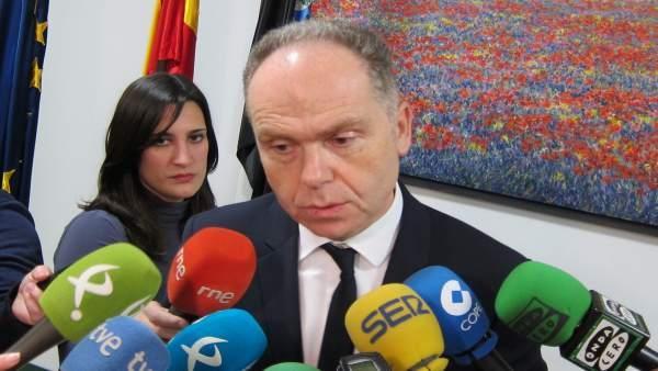 El presidente de Adif, Juan Bravo