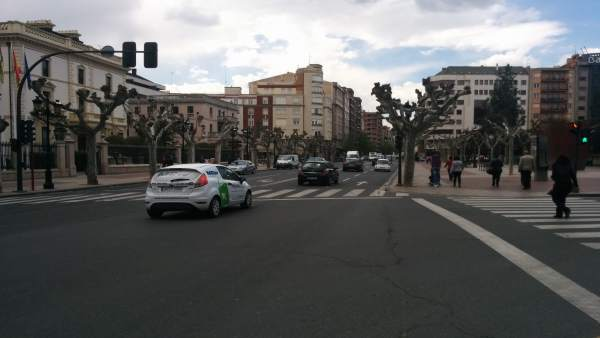 Imagen de la calle Vara de Rey en Logroño, que se va a remodelar.