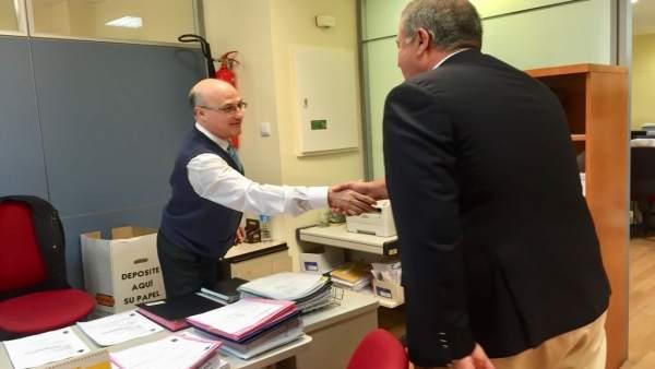 El delegado visita las instalaciones de la Abogacía del Estado en la Región