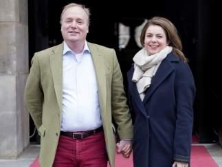 El príncipe Carlos Javier de Borbón Parma y su esposa, Annemarie Gualthérie van Weezel, el pasado 4 de febrero en Ámsterdam, con motivo del 80.º cumpleaños de Beatriz de Holanda.
