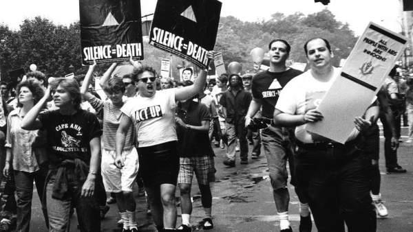 Una mostra presenta a València 30 anys de campanyes de prevenció del VIH