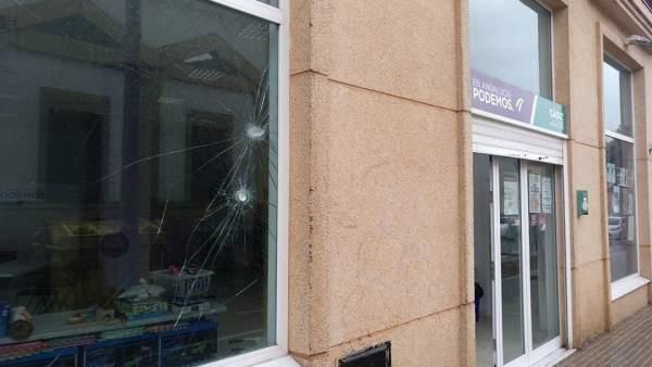Sede de Podemos en Jerez con daños en la fachada