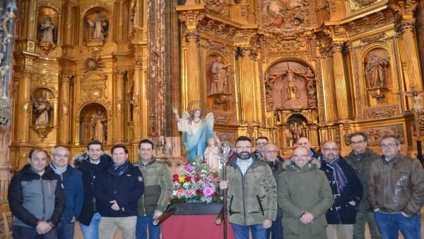 Miembros de la Cofradía del Ángel de Cigales.