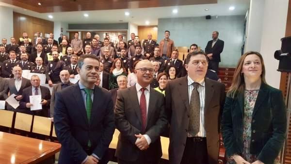 Foto/ Entrega De Las Acreditaciones Del Curso De Mediadores