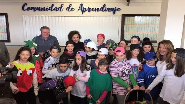 Susana Díaz en visita al colegio la Algaida en Sanlúcar (Cádiz)