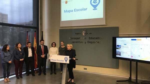 Martínez-Cachá, presenta el primer 'Mapa escolar de la Región'