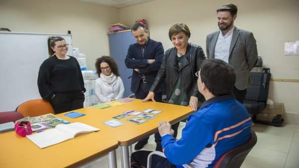 Visita de la Junta a Fegradi