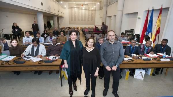 Solana junto al director general de Educación y una representante de la UNESCO